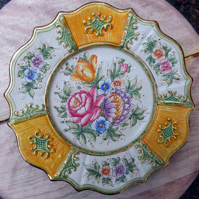 GILLETTI G.P. DERUTA, Italy. Decorative Pottery Floral Plate. Pink, Ivory, Gold