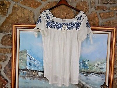 New Lucky Brand Embroidered Peasant Top White And Blue  NWT Sz 1X Rt. $59 Linen