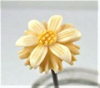 Delicately Carved  Hatpin Daisy