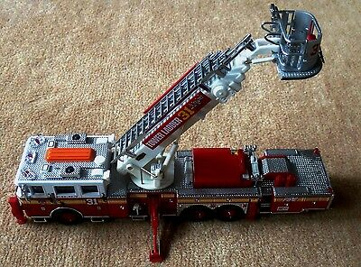 Feuerwehr Code 3 Tower Ladder 31 Casa Grande Aerialscope Einsatz in NEW YORK TOP