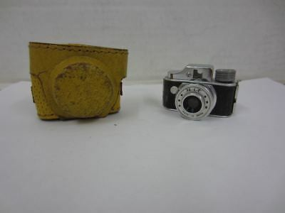 Vintage HIT Micro Mini Miniature Spy Camera w/ Yellow Leather Case Made in Japan