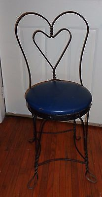 Vintage Twisted Black Wrought Iron Ice Cream Parlor Chair Heart