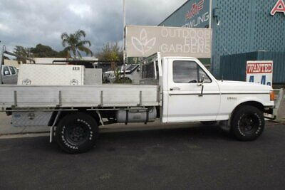 1988 Ford F250 (4x4) White Automatic 3sp A Cab Chassis