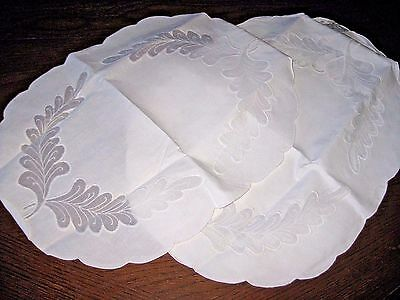 NIP / New Vintage Lot of 8 Oval Placemats White on White Embroidery Cotton Blend