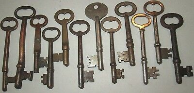 lot of 12 VINTAGE SKELETON KEYS SOME ARE BRASS DOOR ANTIQUE key