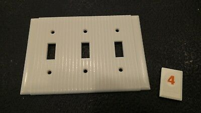 1 Vtg Bakelite Ivory Ribbed Deco P & S Triple Light Switch Plate Cover - O4