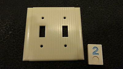 1 Vtg Bakelite Ivory Ribbed Deco Uniline Double Light Switch Cover Plate BB2