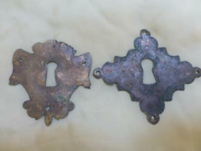 Vtg Antique brass Georgian? keyhole escutcheon plate chest drawer lock cover