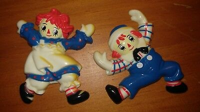 Vintage Raggedy Ann and Andy Plastic Magnets Macmillan Inc. 1988