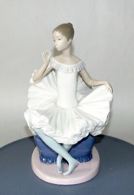 Retired LLADRO Figurine NAO Tribute To A BALLERINA 02000378 PERFECT!