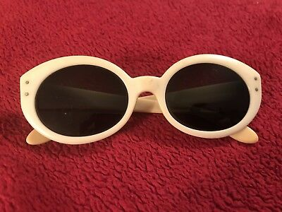 Vintage BAUSCH & LOMB BEWITCHING B&L White Frame Sunglasses USA Ray-Ban