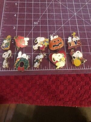VINTAGE Lot Of SNOOPY Peanuts enamel 10 Pins Charms Pendants Christmas Halloween