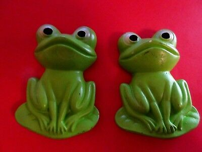 Lot Set 2 Vintage Chalkware Green Frog Lilly Pad Chalk Ware