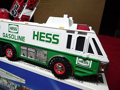 1996 Hess Emergency Truck~~New In Box~~Case Fresh~~Battery Tested<Look>