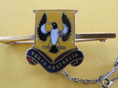 South Australia Piping Shrike Enamel Bird Badge with safety pin chain