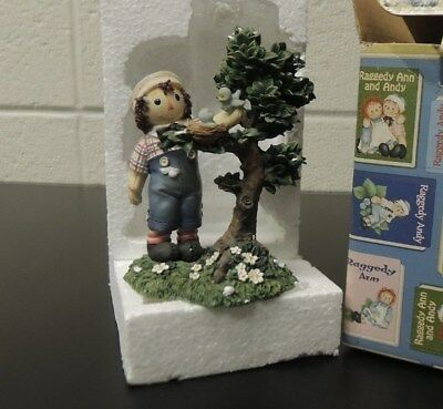 Enesco Raggedy Ann Figurine-New in Box- #953148- EVERYONE COULD USE A HELPING...