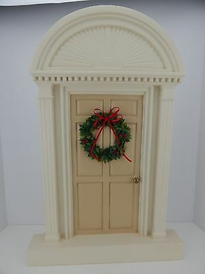 Authentic Byers Choice Carolers Accessory Ivory Cream w/ Tan Door w/ Wreath