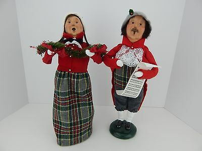 Byers Choice Carolers 1998 Traditional Adult Man and Woman in Hues of Red
