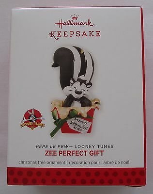 Hallmark 2013 Looney Tunes Pepe Le Pew Zee Perfect Gift Christmas Ornament