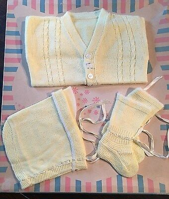 3 pc Vtg 1950s 60s Infant Baby Yellow Sweater Booties Hat Set EUC Reborn Doll