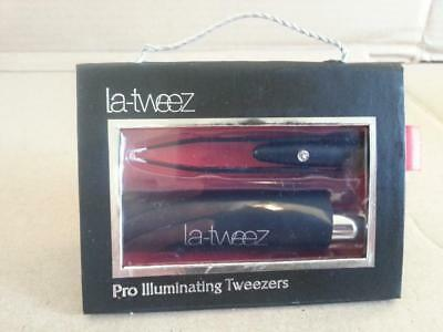 LaTweez Pro Illuminating Tweezers with Lipstick Case Black