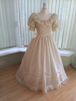 Vintage 1980s Cream Lace Beaded Wedding Dress Size 10 - Princess Diana Country