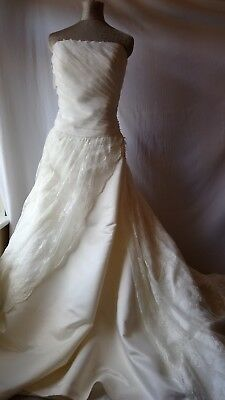 Stunning vintage inspired full lace skirt appliqué cream ivory wedding gown 20