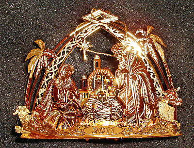 Danbury Mint 23K Gold Plated 2011 CHRISTMAS ORNAMENT 'Away in a Manger' w/Box