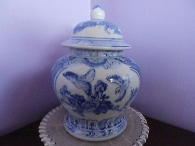 Fab Vintage Chinese Blue/white Birds & Flowers Temple Ginger Jar/pot 22 Cms Tall
