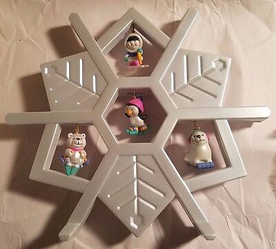 Snowflake Frosty Friends Onament Stand With 4 Ornaments-No Box