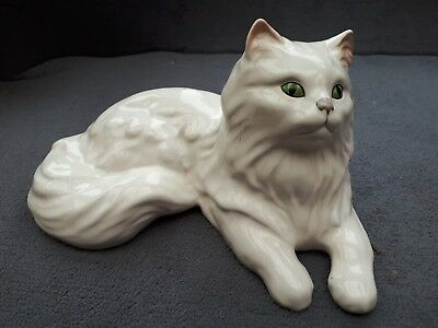 "Vintage Pottery SYLVAC WARE WHITE PERSIAN CAT Green Eyes 8"" Long"