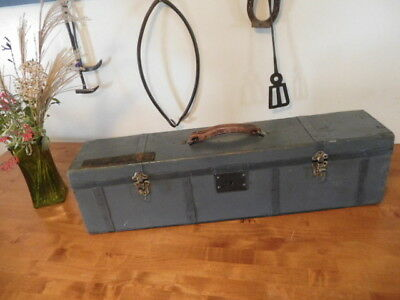 Old Vintage Craftsman Made Wooden Saw Tool Box Farm Primitive Saw Chest