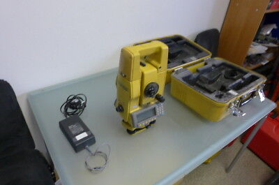 TOPCON GTS-700 total station