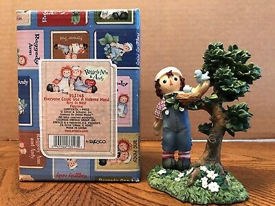 """Enesco Raggedy Ann & Andy """"Everyone Could Use A Helping Hand"""" Bird/Nest  953148"""