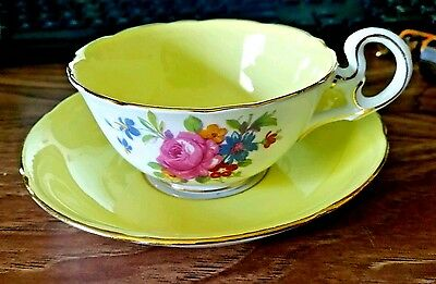 Beautiful, vintage A.B.J. Grafton yellow, floral tea cup.