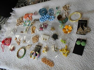 Large Lot of Vintage Costume Retro Jewelry-40 Pieces-ALL GOOD-Lot 2