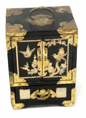 Decorative ASIAN Lacquered Jewellery Box with Oriental Design   - O03