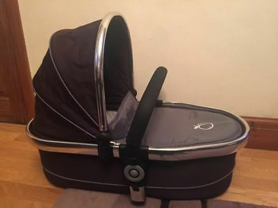 iCandy Peach 2 Narrow Carrycot Truffle comes with carry handle/raincover - VGC