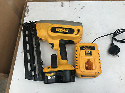 Dewalt Dc618 18V 2Nd Fix Cordless Nail Gun X2 Batteries & Charger