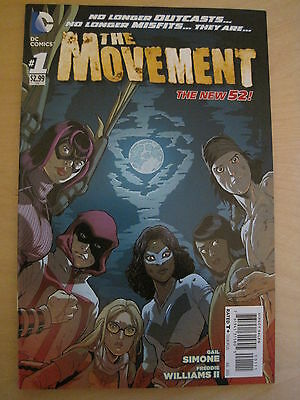 THE MOVEMENT  # 1 by SIMONE & WILLIAMS II . THE NEW 52. DC.2013