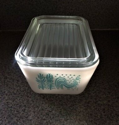 Pyrex Butterprint Amish 502 Refrigerator Dish with Glass Lid 1.5 Pint Vintage