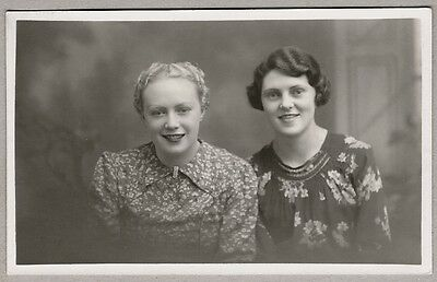1940's era Postcard - Happy and attractive looking young ladies