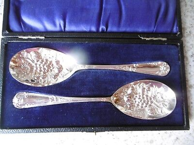 Lovely Pair Of Boxed Antique Silver Plated Epns Berry Spoons