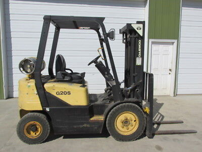 Daewoo G20S Forklift 4,000 Lbs Lift 2 Stage LP Gas 10' Ft. Lift