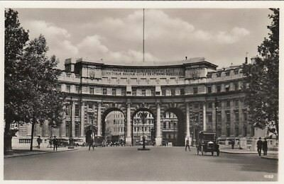 London, The Admirality Arch ngl F1102