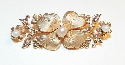 Beautiful Vintage Textured Gold Tone White Faux Pearl Floral Flower Brooch Pin