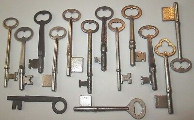 lot of 14 VINTAGE SKELETON KEYS LOCK DOOR ANTIQUE key MORE KEYS LISTED