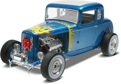 1932 Ford 5 Window Coupe 1/25 scale skill 3 Revell plastic model kit#4228