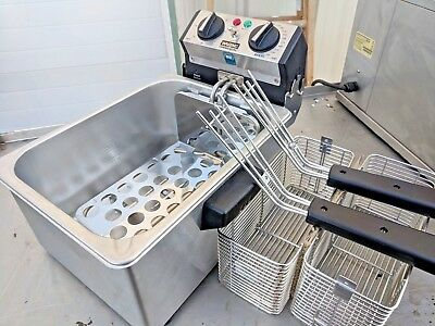 Unused WARING COMMERCIAL COUNTERTOP ELECTRIC DEEP FRYER W/ TIMER 120V - WDF75RC