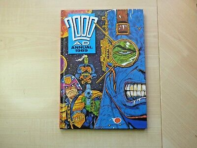 Vintage 1989 2000 AD Annual, not price clipped and in very good condition